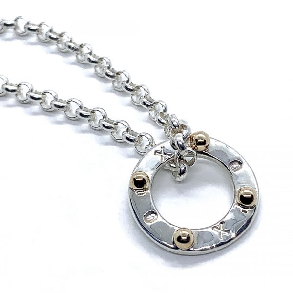 Caroline Jones XOXO disc with 9ct melted gold belcher chain 01