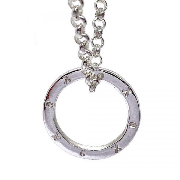 Caroline Jones XOXO ring on belcher chain 03