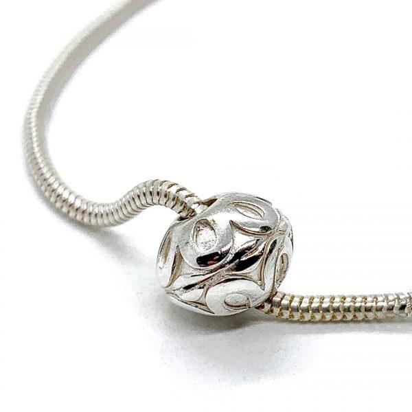 Caroline Jones flower sphere on snake chain bracelet 04