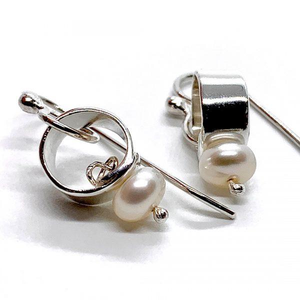 Caroline Jones silver link earrings with white pearls 02