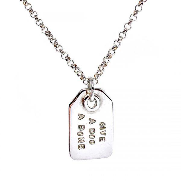 Caroline Jones swing tag necklace 01