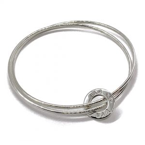 Caroline Jones text disc bangle 01